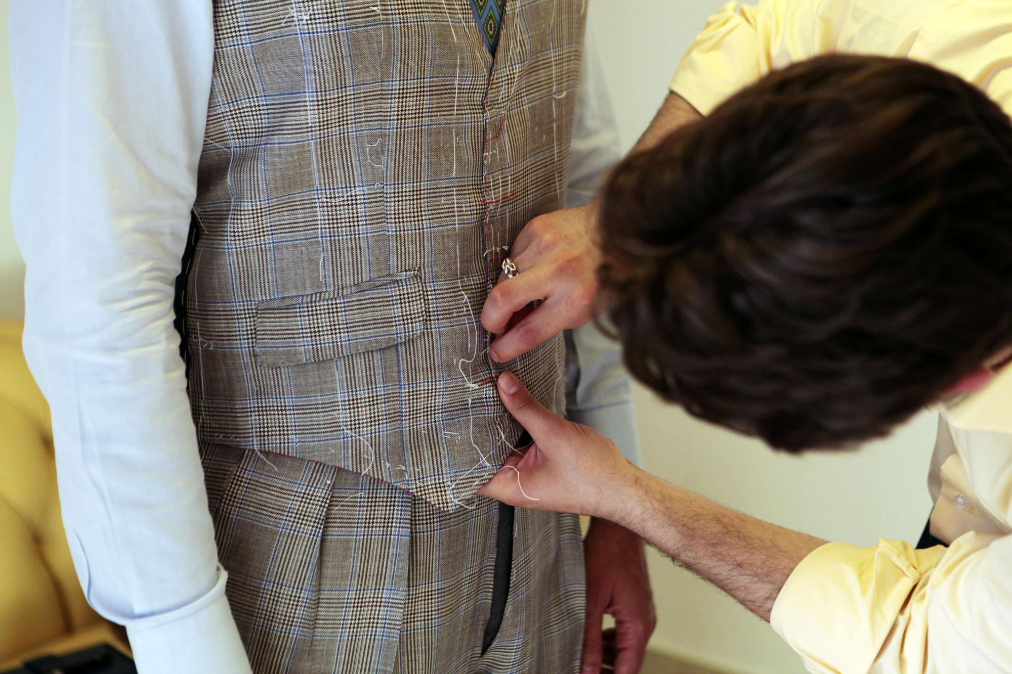 Sartoria Carfora An entrepreneur from Lazio bets on a young and talented tailor