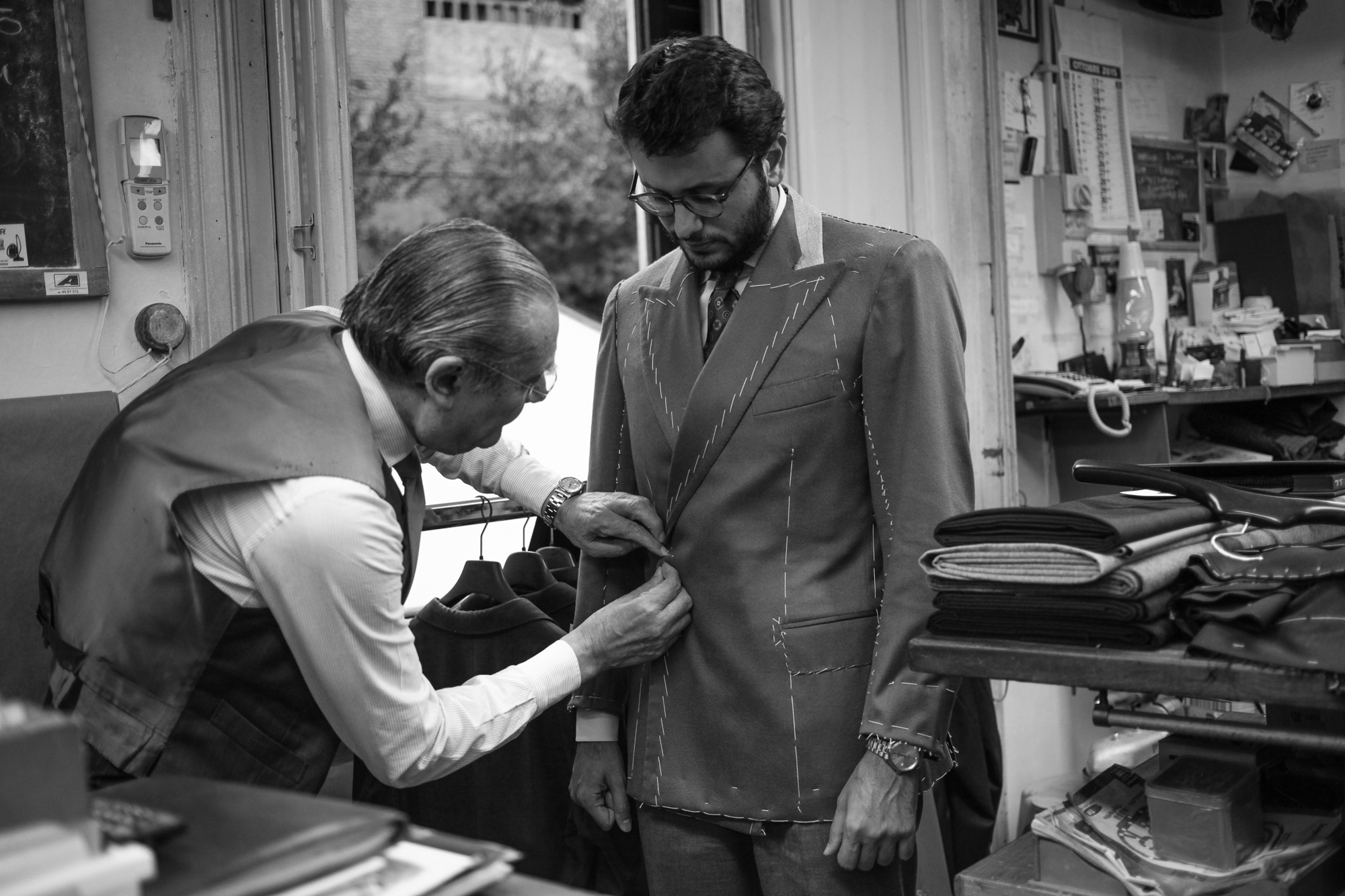 Tommy & Giulio Caraceni Does a Roman jacket exist? If so, which are its distictive features?