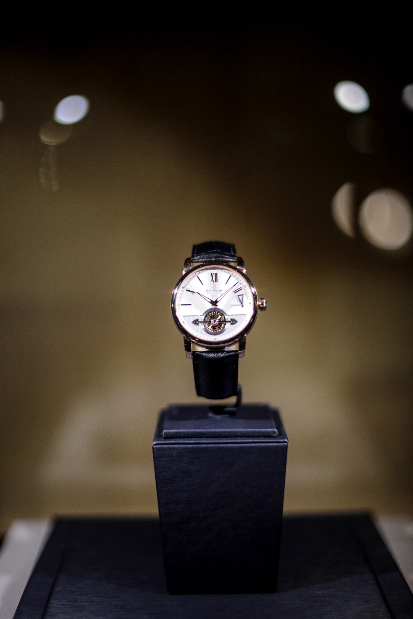 Montblanc at the SIHH 2016 The latest creations presented at the International Fine Watchmaking Exhibition (SIHH) in Geneva