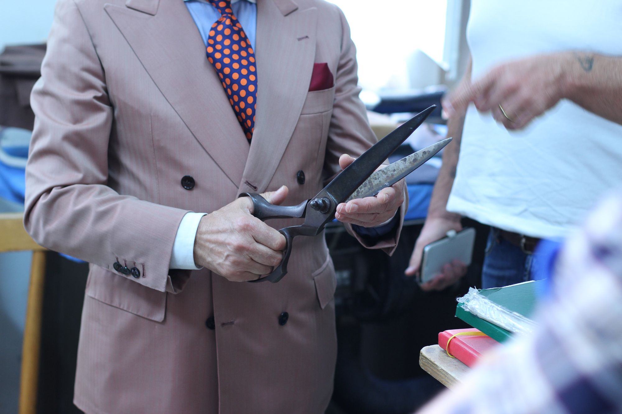 The Sicilian Chapter: Sartoria Crimi Curved dart and peculiar construction of the under-collar