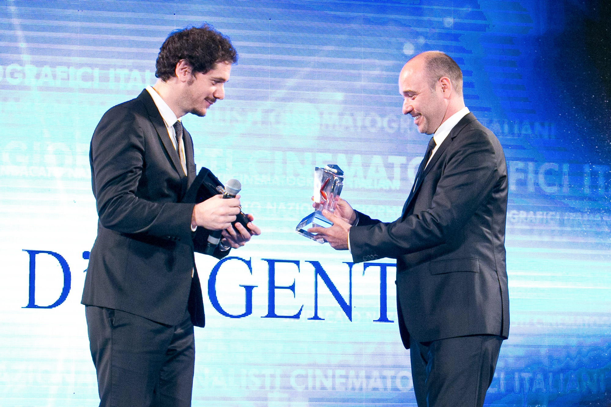 Hamilton Watches & Nastri d'Argento Hamilton strenghtens its bond to the Cinema industry, sponsoring the film festival organised by the Cinema Journalists Union