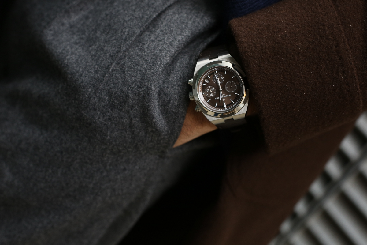 On the wrist: Vacheron Constantin Overseas Chronograph Punzone di Ginevra, Manifattura calibers and interchangeable straps