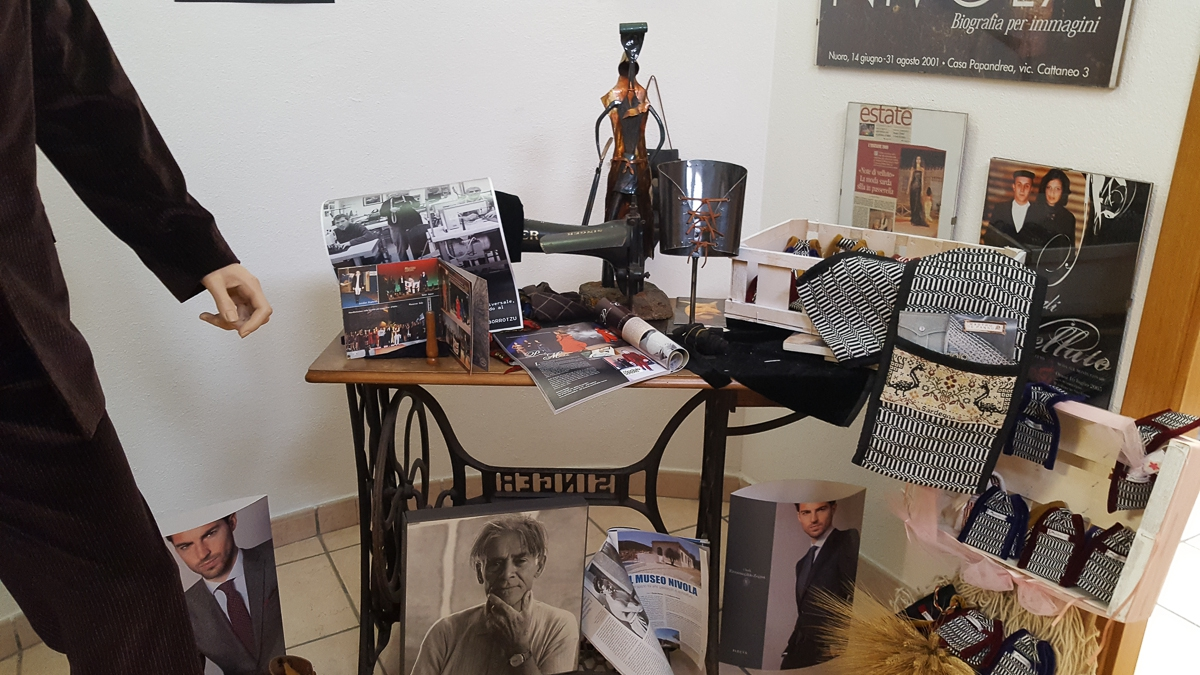 The Sardinian Chapter: Paolo Modolo The traditional Sardinian suit and the 'Mastru de pannu'